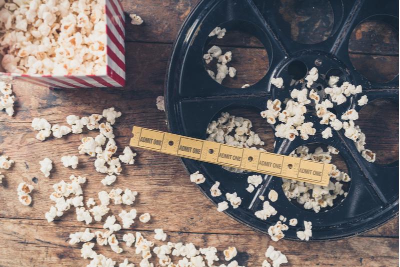 Comer palomitas no es buena idea para aprender inglés con películas