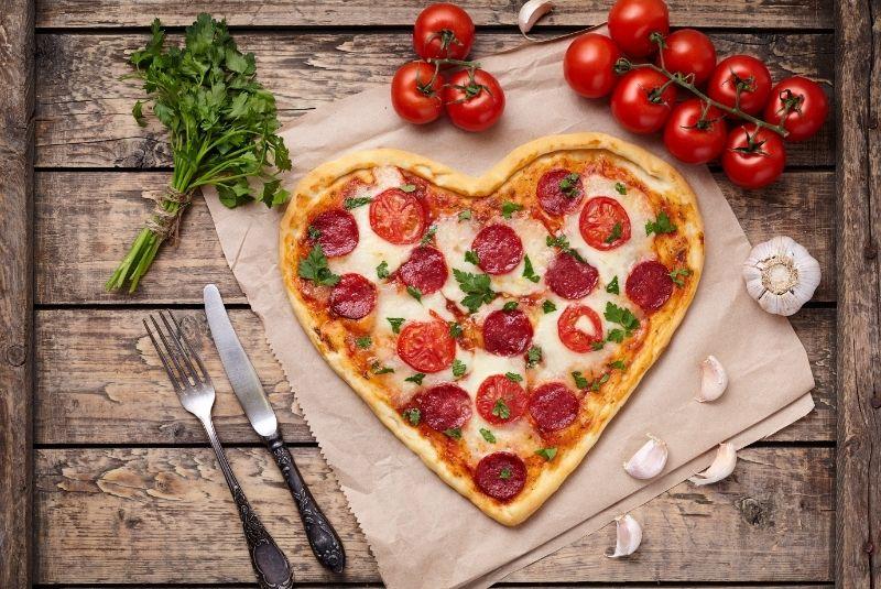 Pizza en forma de corazón