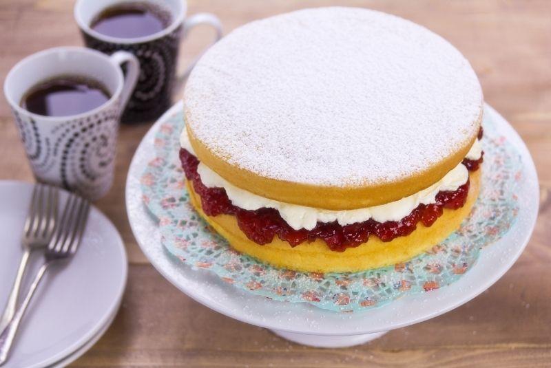 Postres ingleses Victoria Cake